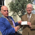 FR ROT Ilfracombe in Bloom Cheque Presentation 2017